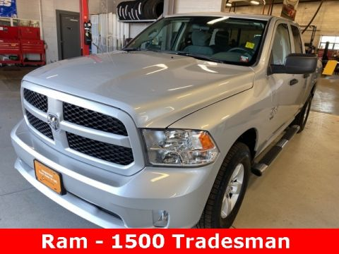 Pre-Owned 2019 Ram 1500 Classic Express 4WD 4D Extended Cab
